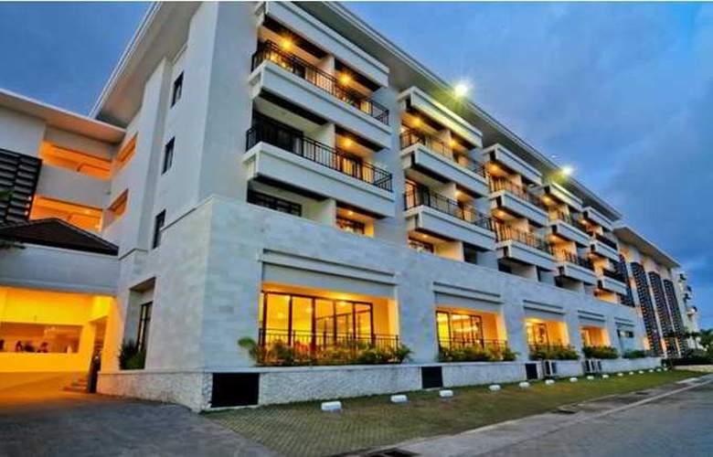 Grand Kuta Hotel and Residence - Hotel - 13