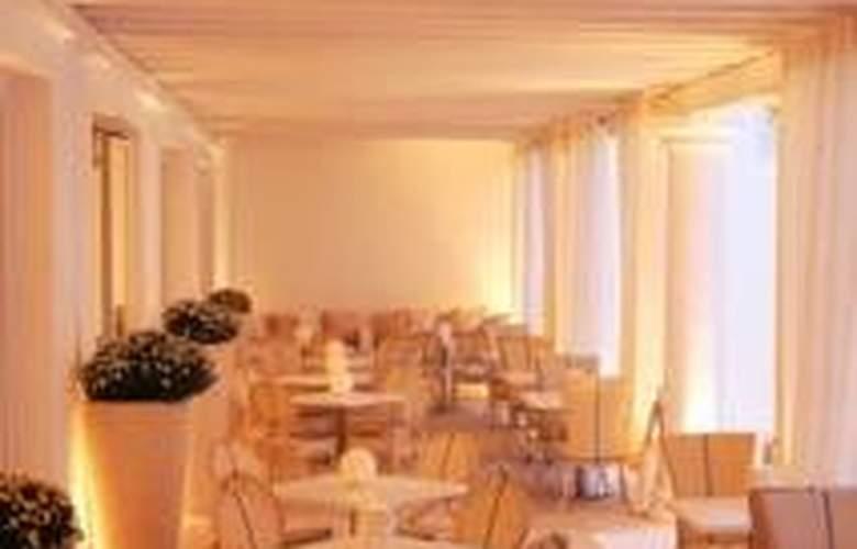 La Residence - Restaurant - 11
