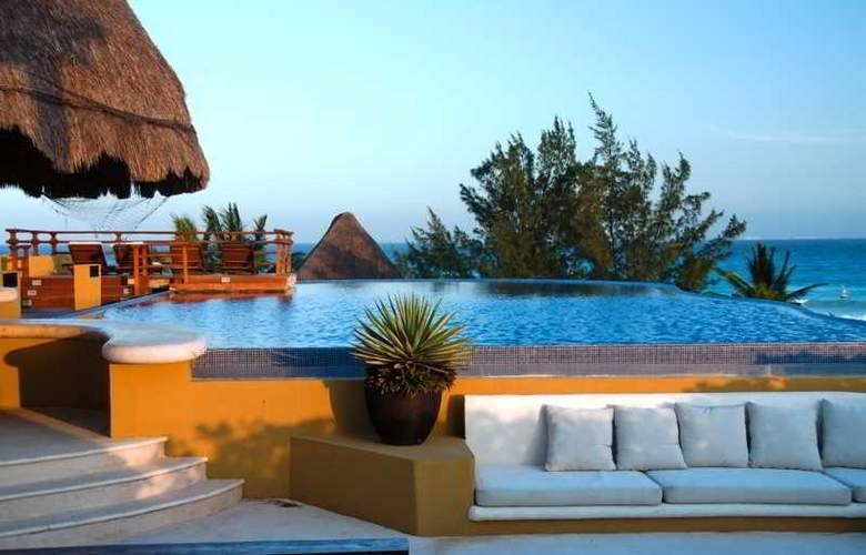 Pueblito Escondido Luxury Condohotel - Pool - 7