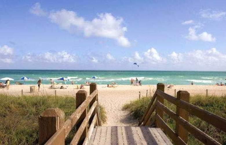 Circa 39 Hotel - Beach - 4
