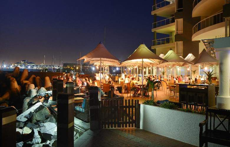 Radisson Blu Hotel Waterfront, Capetown - Terrace - 26