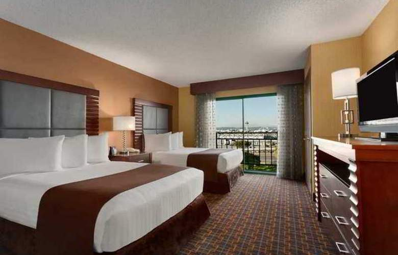 Embassy Suites by Hilton LAX Airport South - Hotel - 2