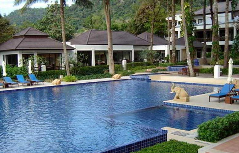 Chang Buri Resort and Spa - Pool - 5