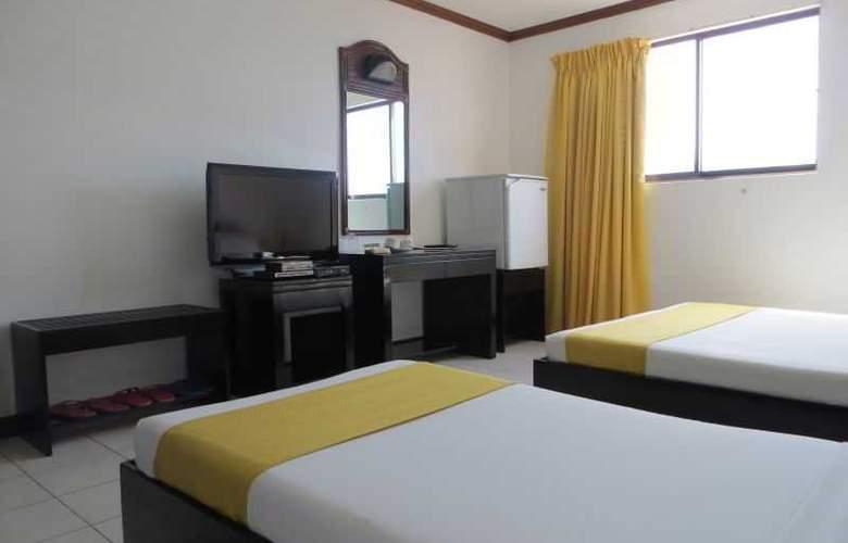 Paragon Suites - Room - 18