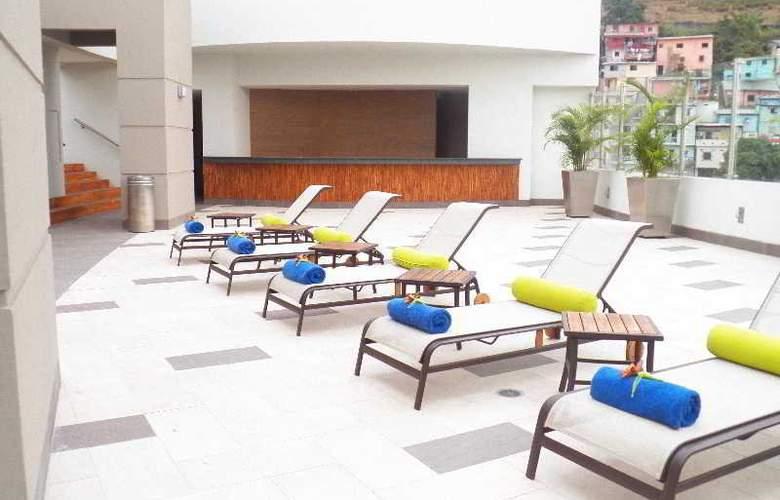 Wyndham Guayaquil - Pool - 13