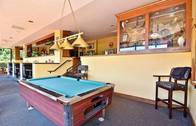 Best Western Plus Agate Beach Inn - Bar - 88