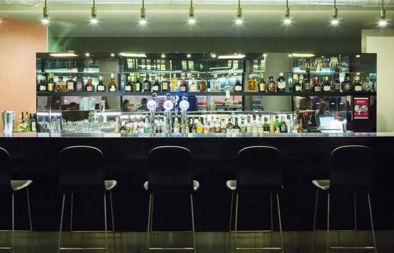 Best Western Hotel Walhalla - Bar - 10