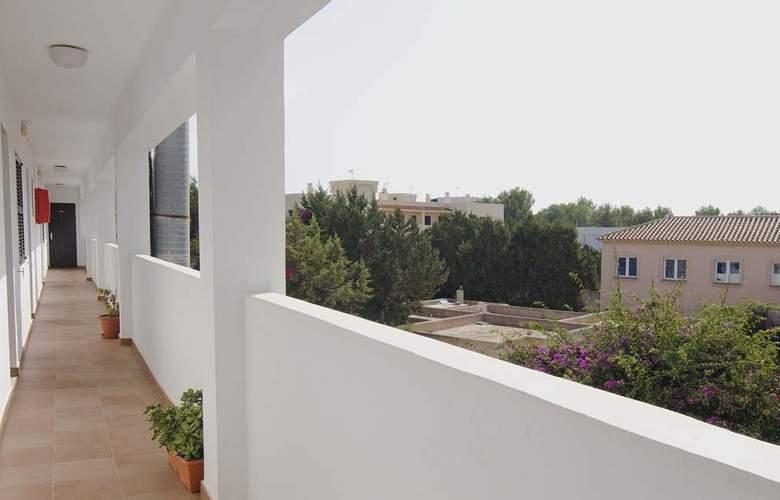 Apartamentos Pou Des Pujols - Hotel - 3