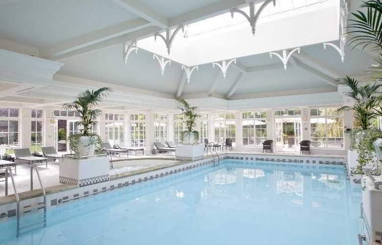 Disneyland Hotel - Pool - 11