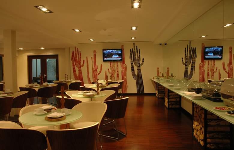 Porto Trindade Hotel - Restaurant - 35