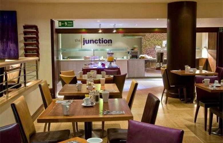 Holiday Inn High Wycombe M40/J4 - Restaurant - 5