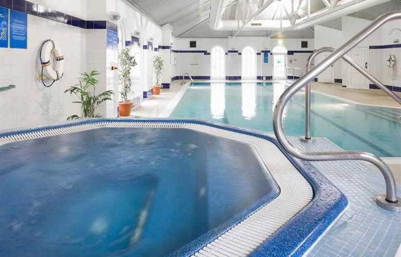 Mercure Southgate - Pool - 43