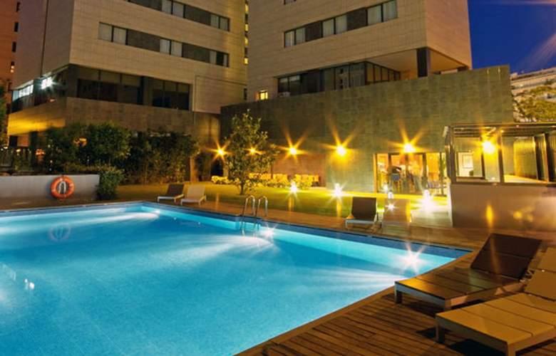 Tryp Valencia Oceanic - Pool - 3