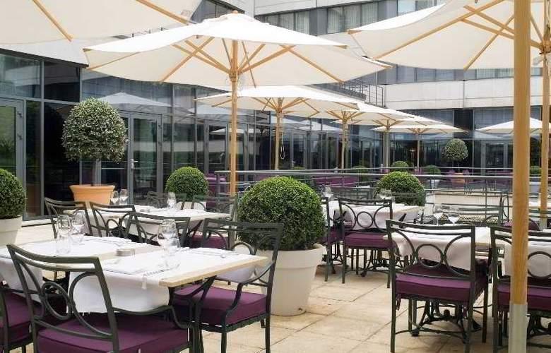 Crowne Plaza Paris - Neuilly - Terrace - 3