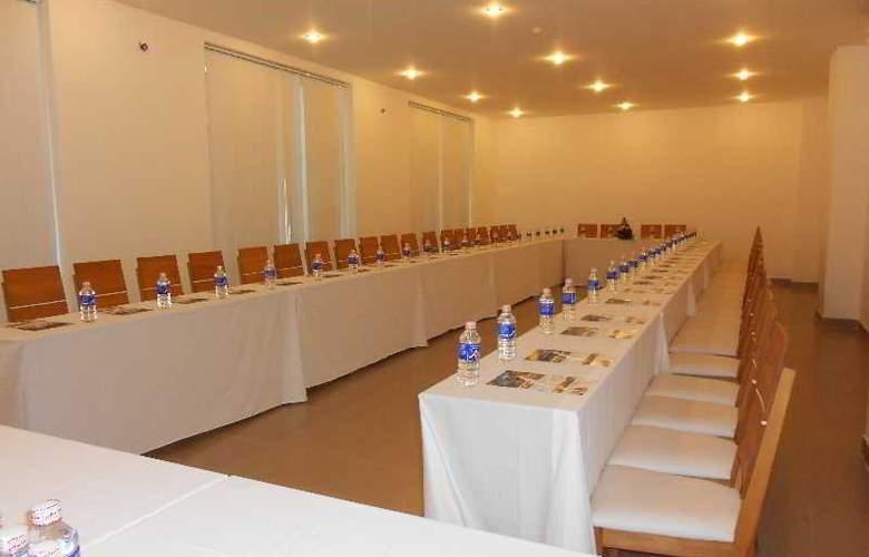 Paragon Villa Hotel - Conference - 5