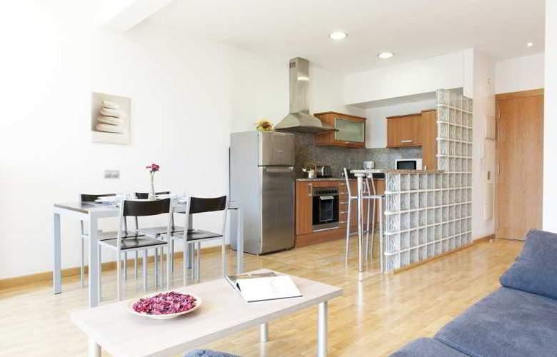 MH Apartments Sagrada Familia - Room - 3