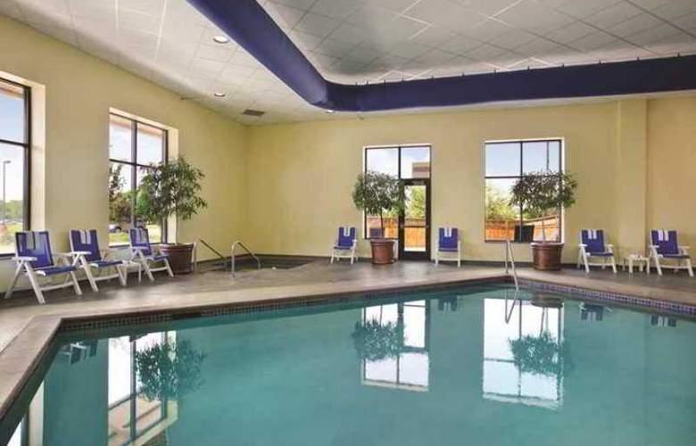 Embassy Suites Minneapolis North - Pool - 10
