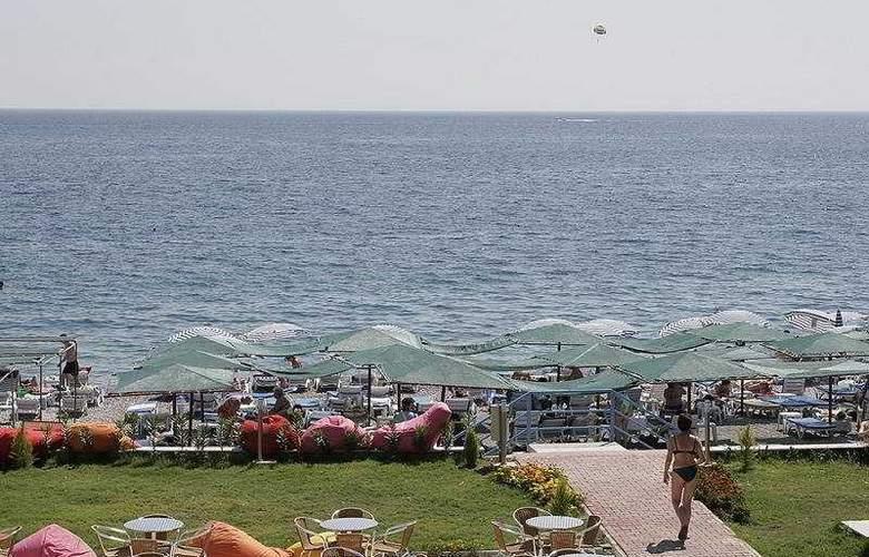 Lims Bona Dea Beach Hotel - Beach - 8