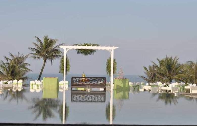 Ana Mandara Hue - Terrace - 21