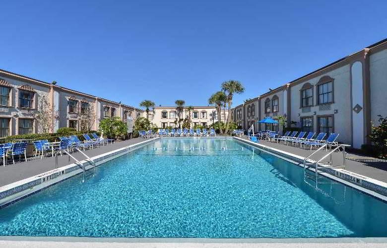 La Quinta Inn International Drive North - Pool - 30