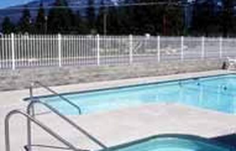 Comfort Inn Central - Pool - 4