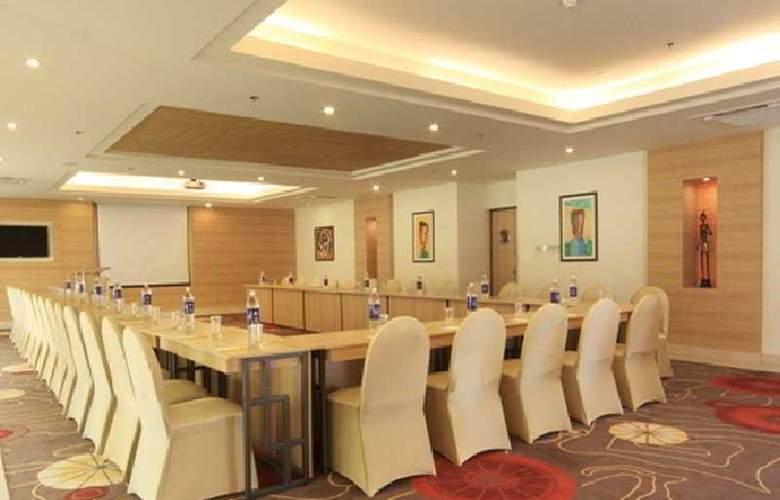 Lemon Tree Premier Ulsoor Lake Bengaluru - Conference - 6