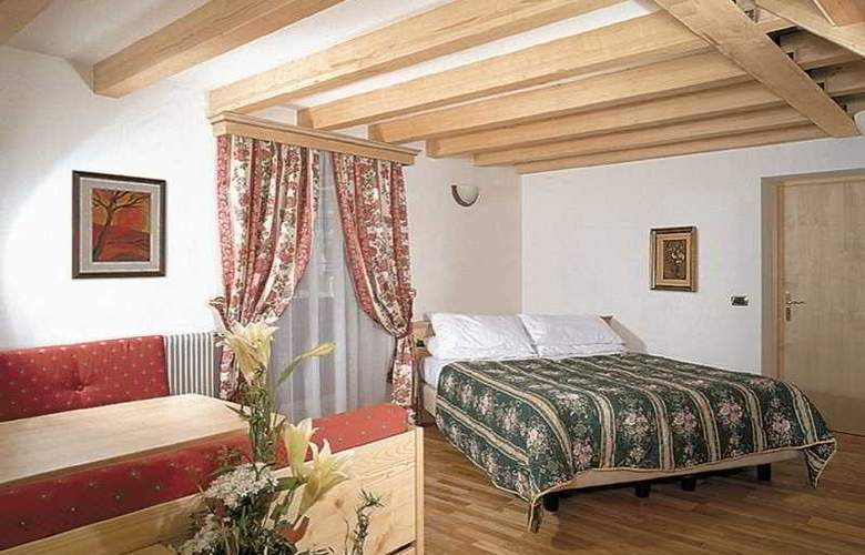 Gran Chalet Soreghes - Room - 3