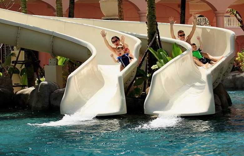 Centara Grand Beach Resort Phuket - Pool - 33