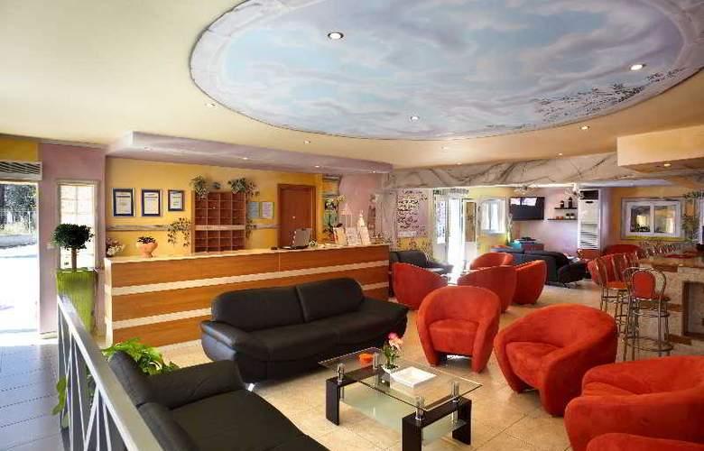 Marietta Hotel Apartments - General - 15