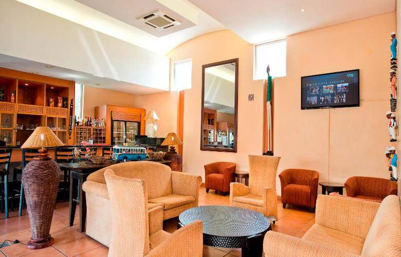 Protea Hotel Ondangwa - Bar - 13