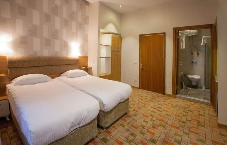 SERENE HOTEL - Room - 1