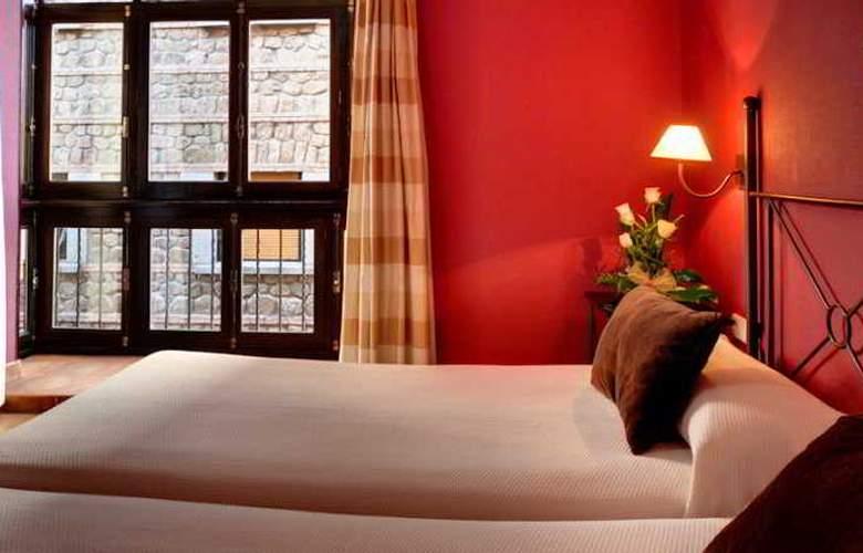 Toledo Imperial - Room - 8