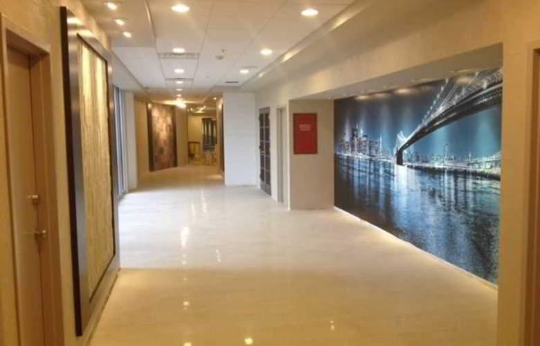 Ramada Plaza Newark Airport - Hotel - 0