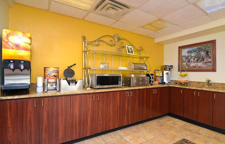 Best Western Royal Inn - Restaurant - 39
