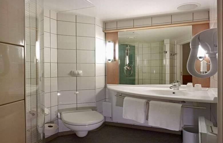 Ibis Warszawa Reduta - Room - 12