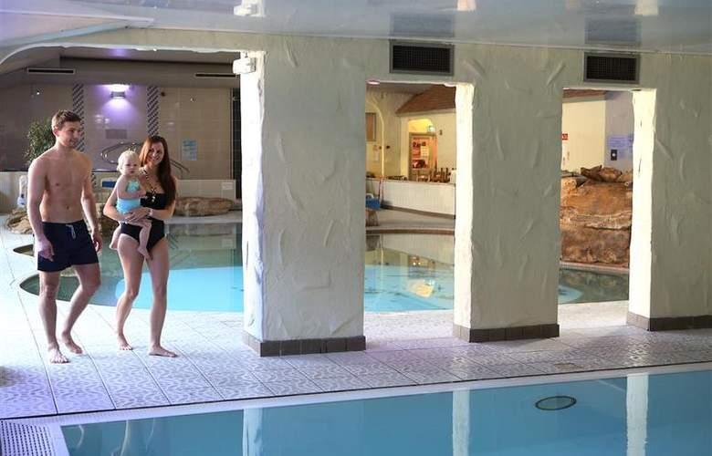 Best Western Park Hall - Pool - 231