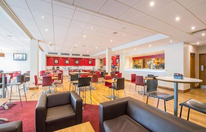 Travelodge London Docklands - Restaurant - 3
