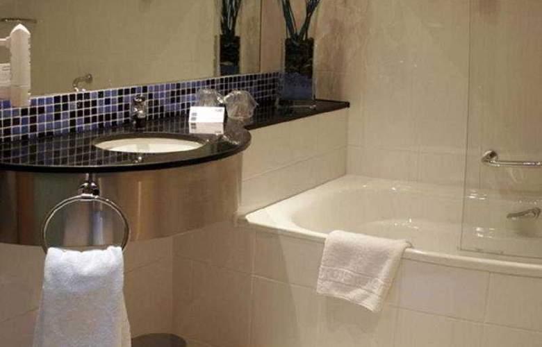 Holiday Inn Express Bilbao - Room - 2