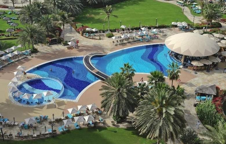 Le Royal Meridien Beach Resort and Spa - Pool - 2