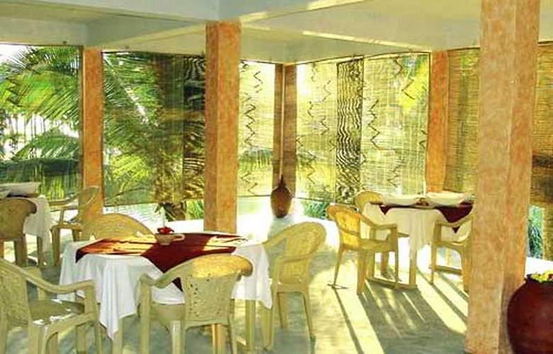 Isola Di Cocco Ayurvedic Heritage Beach Resort - Restaurant - 4