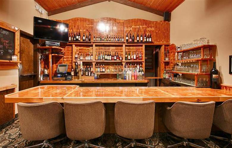 Best Western Plus Tree House Motor Inn - Bar - 56