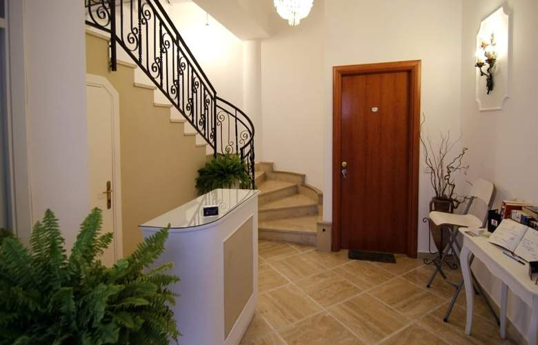 Sorrento Town Suites - General - 1