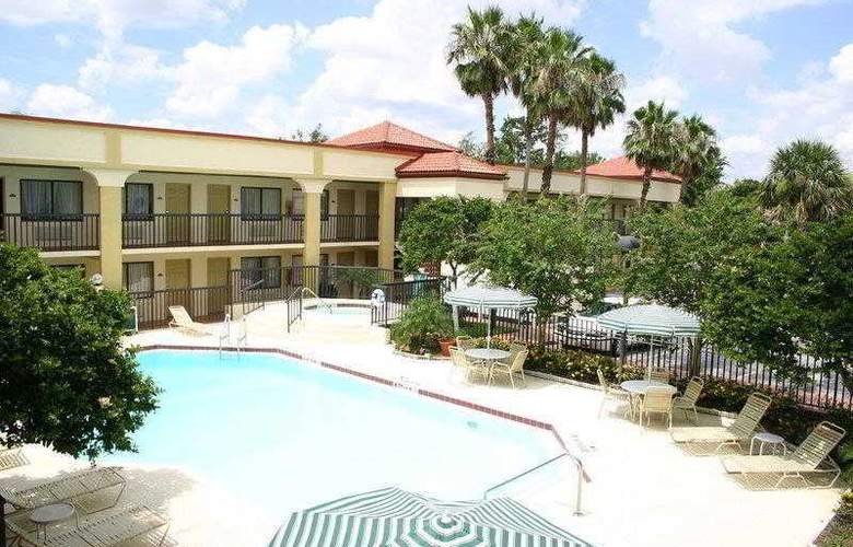 Best Western Orlando East Inn & Suites - Hotel - 14