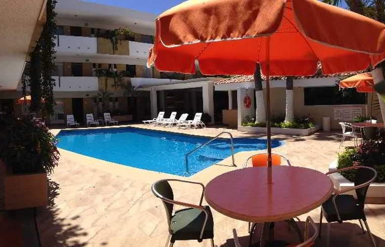 Azteca Inn - Pool - 10