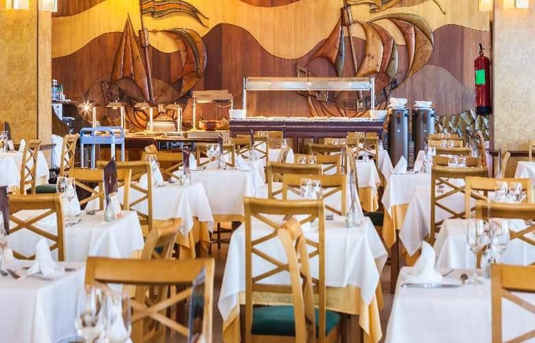 Globales Club Almirante Farragut - Restaurant - 57