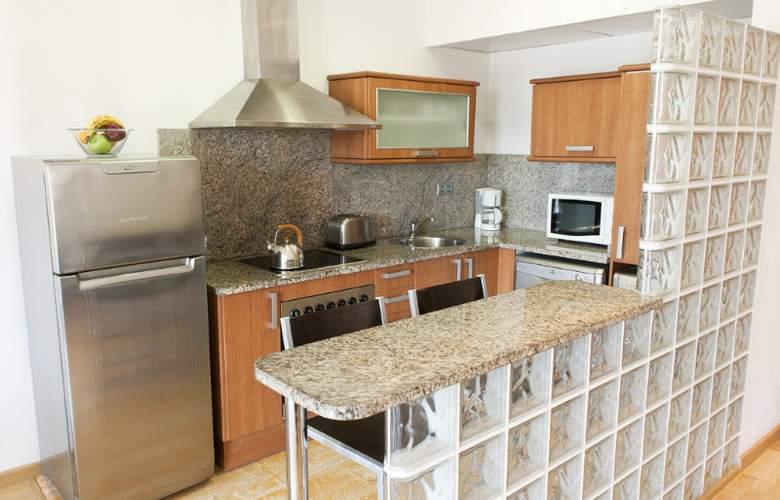 MH Apartments Sagrada Familia - Room - 0