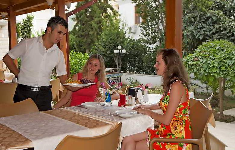 Felice Hotel - Restaurant - 32