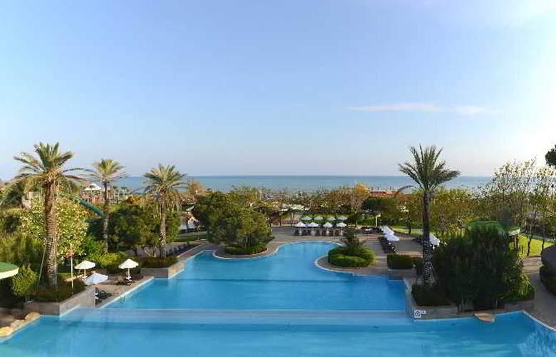 Gloria Verde Resort - Pool - 12