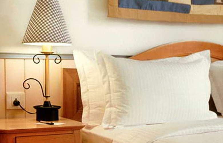 Gordon House Colaba - Room - 3