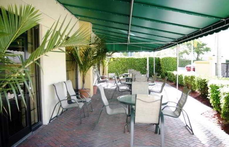 Holiday Inn Express suites Miami-Hialeah - Restaurant - 4